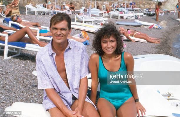 Hotel Paradies, Fernsehserie, Deutschland 1988 - 1990, Darsteller: Patrick Winczewski, Maria Ketikidou.