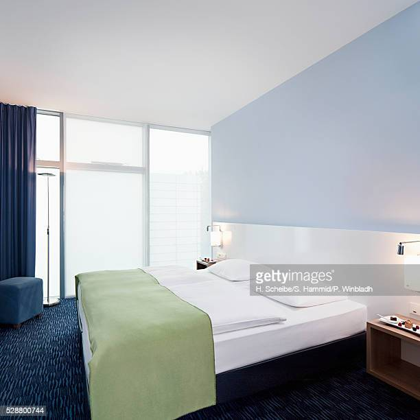 hotel room - tidy room stock pictures, royalty-free photos & images