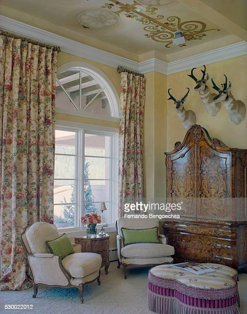 hotel room with traditional furnishings - fernando bengoechea stock pictures, royalty-free photos & images