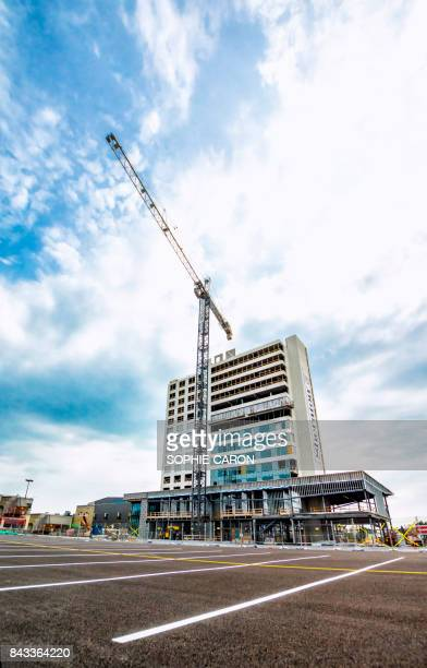 hotel sheraton, st-hyacinthe - tour structure bâtie stock pictures, royalty-free photos & images