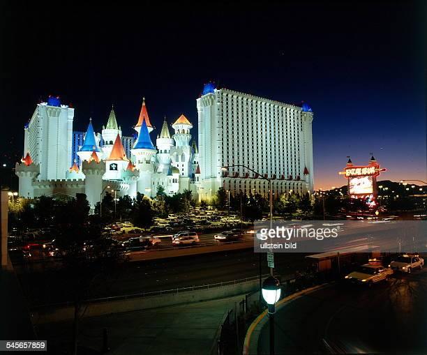 Hotel und Casino Excalibur bei Nacht 1998