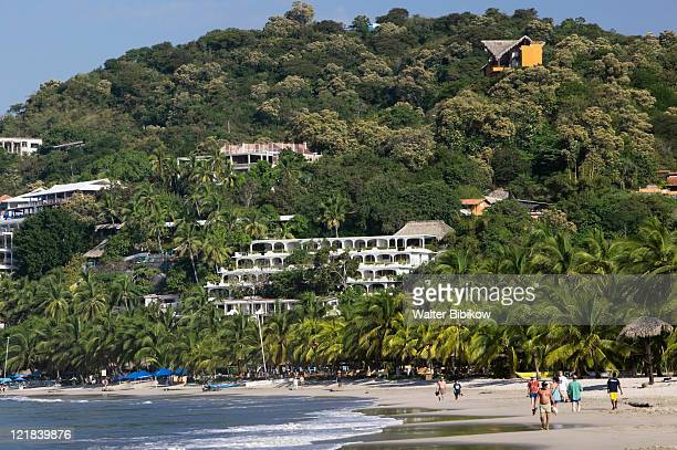 hotels along playa la ropa, mexico - ixtapa zihuatanejo fotografías e imágenes de stock