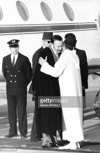 Houari Boumédiène à son arrivée à Rabat lors d'une visite officielle au Maroc