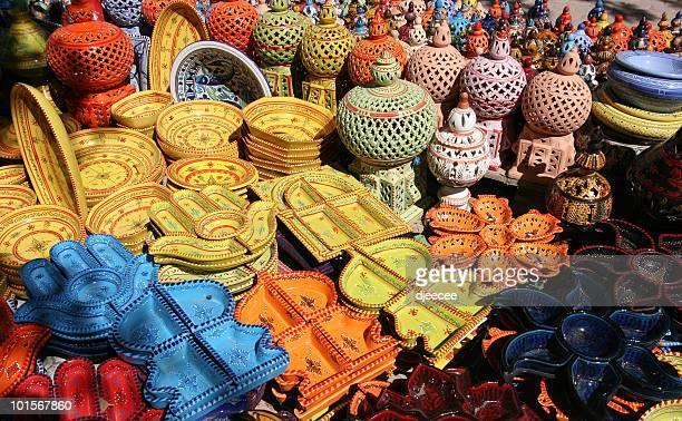 houmt souk poteries, djerba tunisie #1 - djerba stock pictures, royalty-free photos & images
