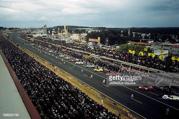 24 Hours Of Le Mans 1966 En France en juin 1966 lors de la course automobile d'endurance les 24 heures du Mans le départ