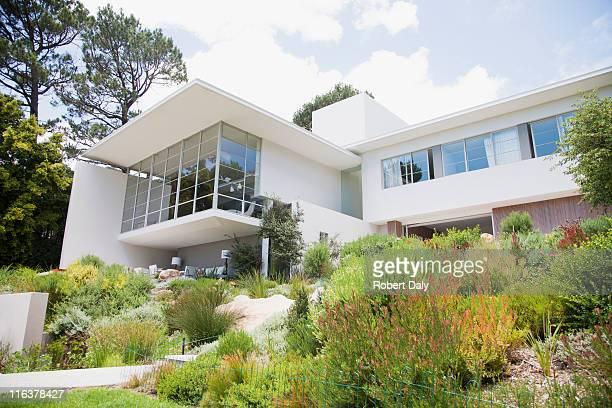 ハウスと庭園