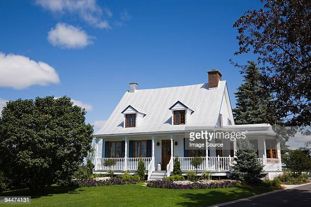 house and garden - laval canada stock pictures, royalty-free photos & images