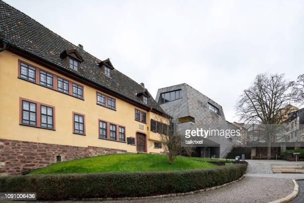 家とドイツ、アイゼナハのヨハン ・ セバスティアン ・ バッハの博物館 - アイゼナッハ ストックフォトと画像