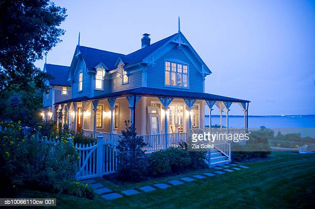 house by sea at dusk - williamsburg virginia stock pictures, royalty-free photos & images