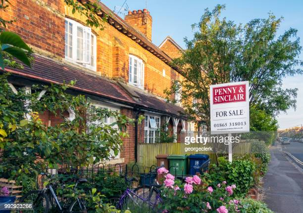 House for sale on a street in Oxford, England