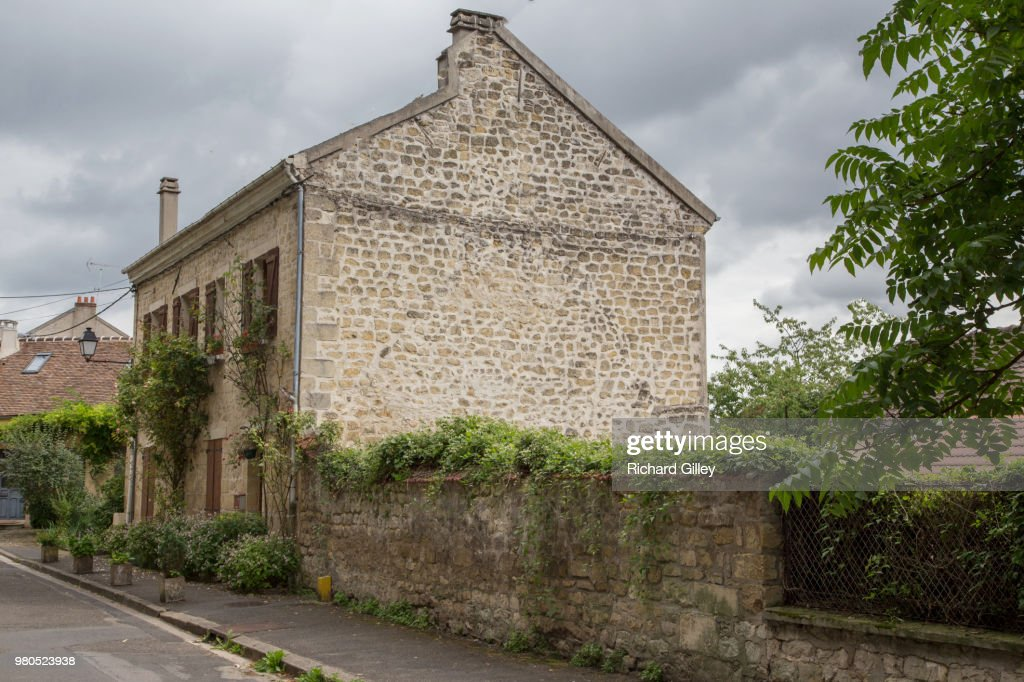 House In Auvers-sur-Oise : Stock Photo
