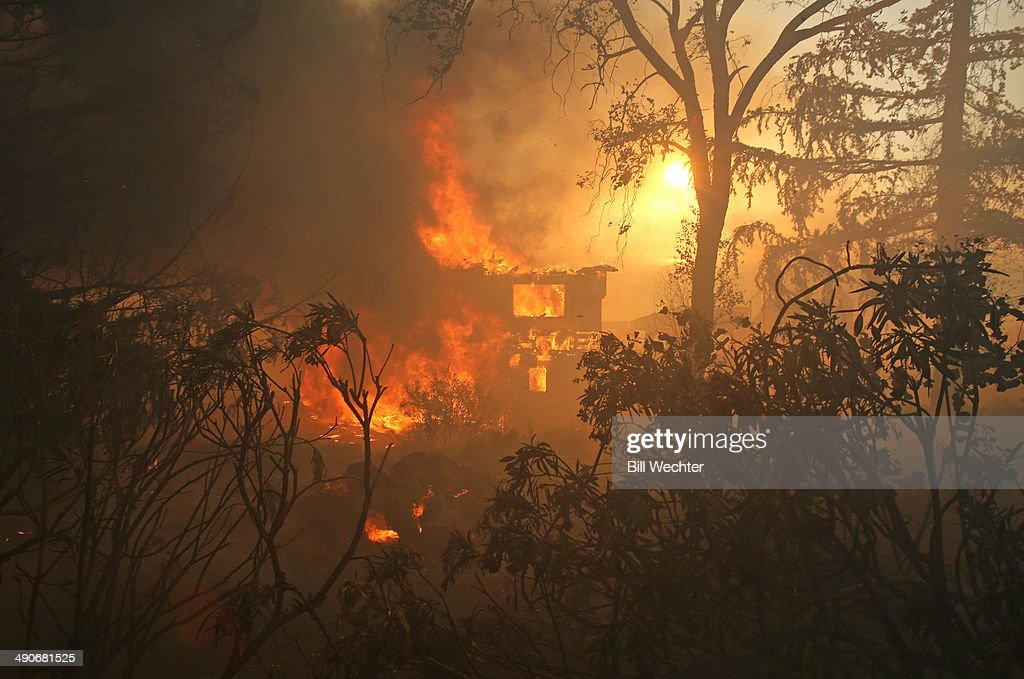 Wildfire Forces Evacuation Of Thousands In Carlsbad, California : News Photo
