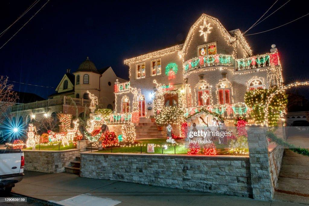 Holiday Season Begins Across New York City Area : News Photo