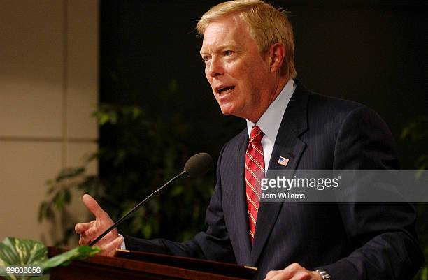 House Minority Leader Richard Gephardt, D-Mo., makes a speech on building a new long-term strategy for American leadership and security at the...