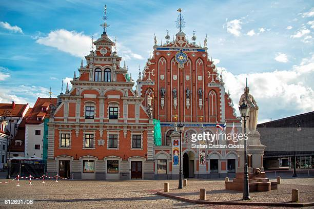 house of blackheads riga - house of blackheads stock photos and pictures