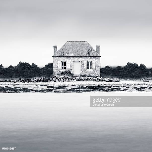 House on island in Etel River Saint Cado