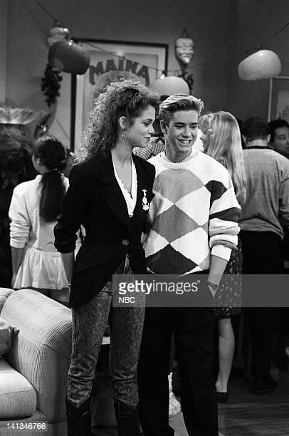 "House Party"" Episode 5 -- Air Date -- Pictured: Elizabeth Berkley as Jessie Spano, Mark-Paul Gosselaar as Zack Morris -- Photo by: Paul..."
