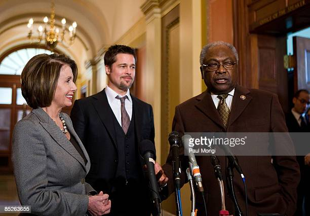 House Speaker Nancy Pelosi actor Brad Pitt and Democratic Whip James Clyburn discuss the Make it Right project in the Speaker's Balcony Hallway in...