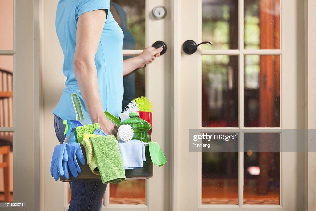 Door to Door House Cleaning Service:https://www.gettyimages.com