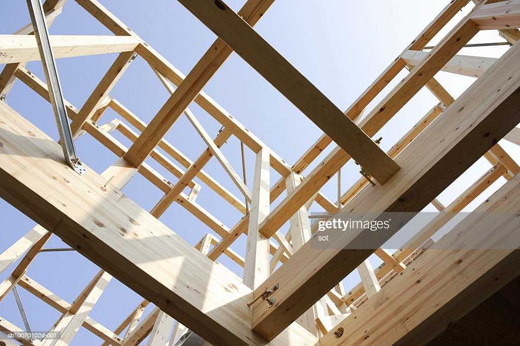 House under construction, view from below : ストックフォト