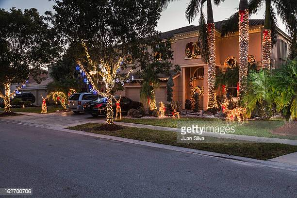 house with christmas decocarions - florida christmas stock pictures, royalty-free photos & images