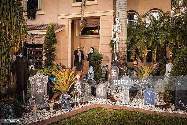 house with halloween decocarions - halloween decoration stock pictures, royalty-free photos & images