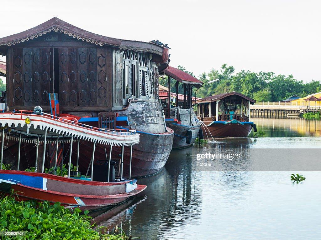 Houseboat in the Tha Chin River Nakhonpathom : Stock Photo