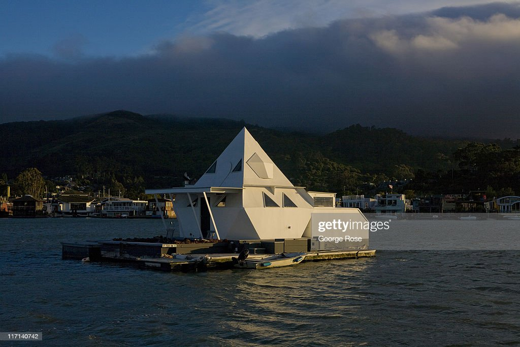 A houseboat is anchored outside the Sausalito Marina on June 11, 2011 in Sausalito, California. The San Francisco Bay is home to thousands of sailing enthusiasts and will be the site of the 2013 America's Cup.
