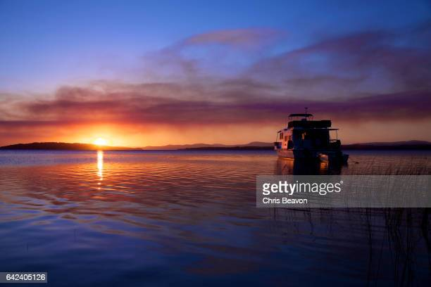 houseboat sunset 2 - houseboat stock pictures, royalty-free photos & images