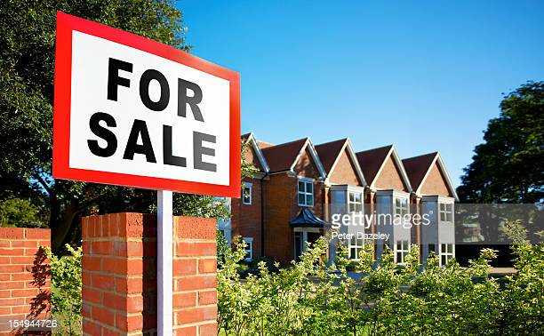 House/flat for sale sign