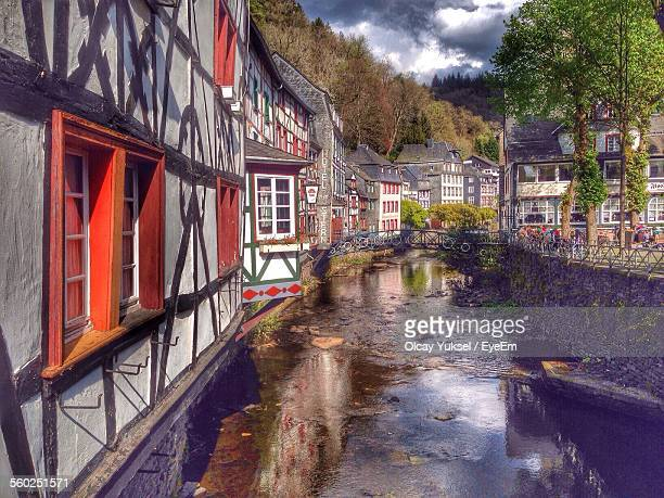 houses along canal - north rhine westphalia stock pictures, royalty-free photos & images