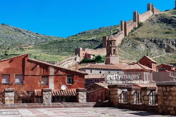 ALBARRACíN TERUEL ARAGóN SPAIN Houses and stone wall in the medieval village of Albarracin