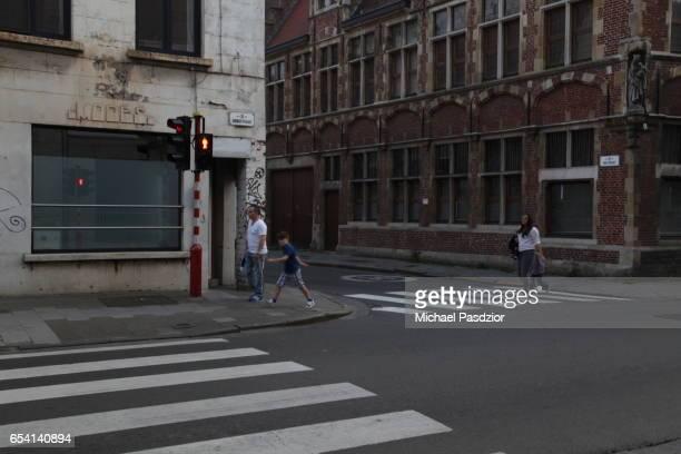 houses at hoogstraat - 東フランダース ストックフォトと画像