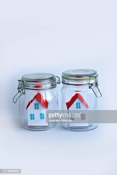 houses in isolation due to coronavirus - lockdown - fotografias e filmes do acervo