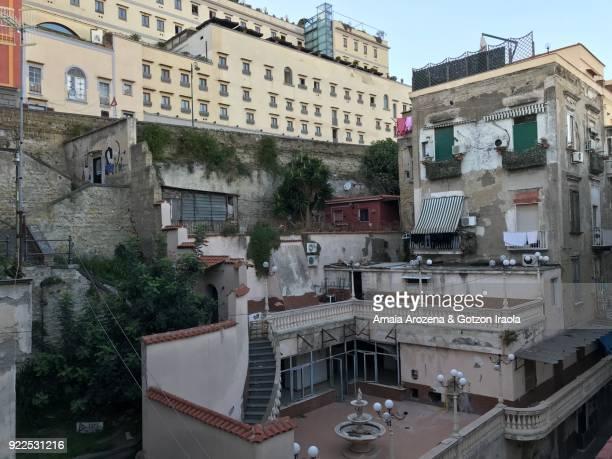 houses in quartieri spagnoli. naples, italy. - camorra foto e immagini stock