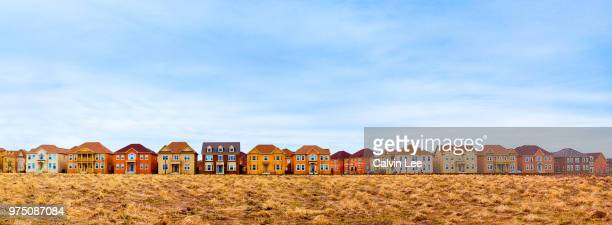 houses in row, toronto, ontario, canada - residential district stock pictures, royalty-free photos & images