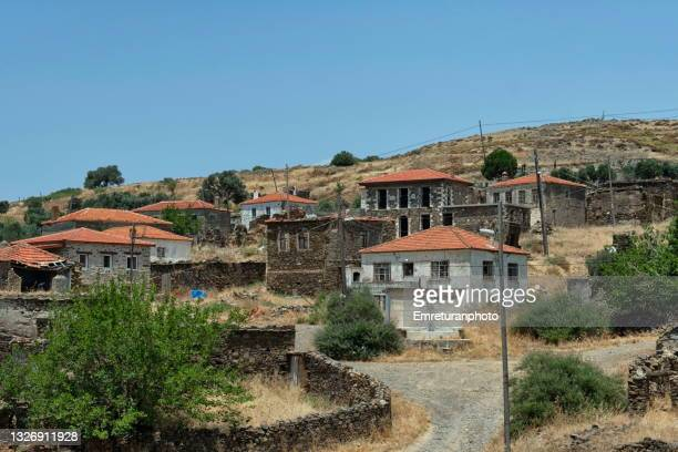 houses in salman village on a sunny day. - emreturanphoto stock pictures, royalty-free photos & images