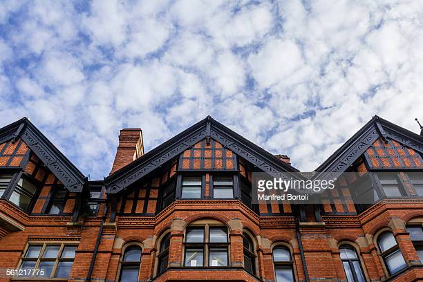 houses made by red bricks in nottingham - nottingham stock pictures, royalty-free photos & images