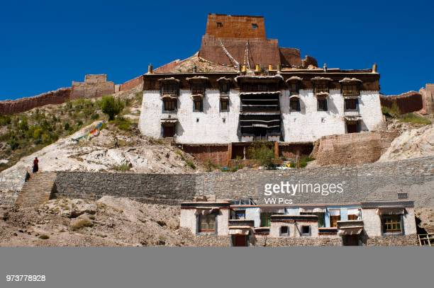 Houses of the Tibetan monks of the monastery of Pelkhor Chode Gyantse Tibet China Asia