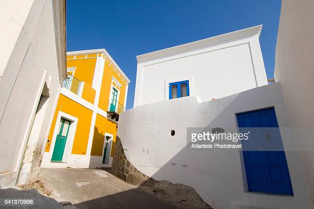 houses on narrow street - aeolian islands stock pictures, royalty-free photos & images