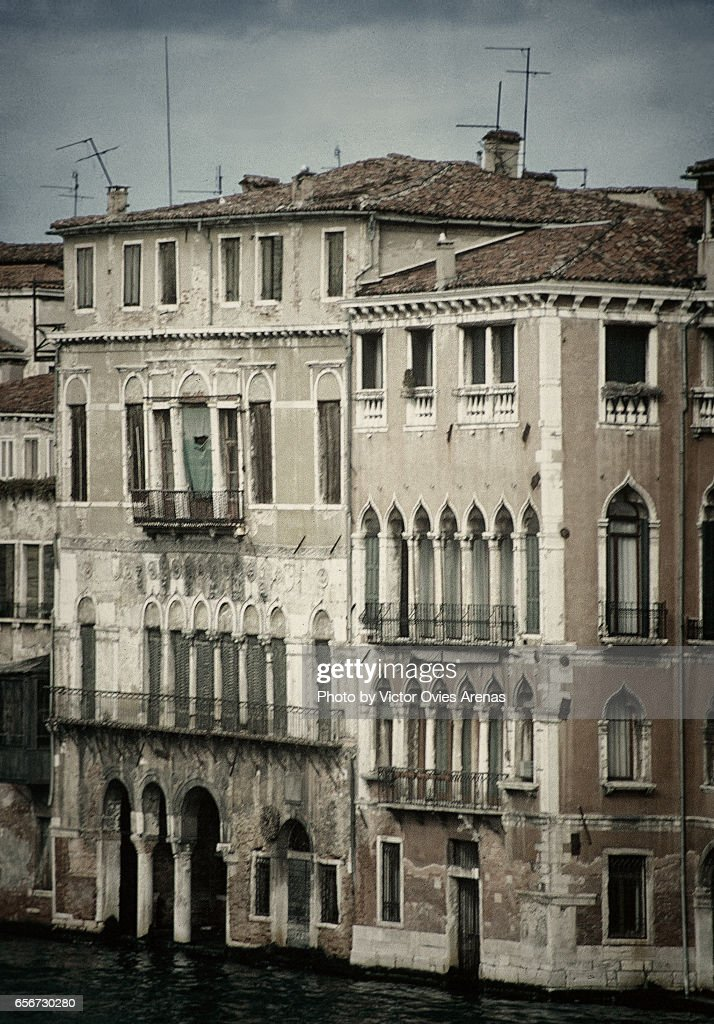 Houses on the Grand Canal in Venice, Italy : ストックフォト