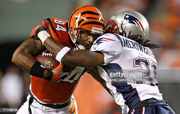 J Houshmandzadeh of the Cincinnati Bengals runs with the ball against Brandon Meriweather of the New England Patriots on October 1 2007 at Paul Brown...