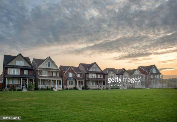 housing market in canada - new homes in sunrise - ontario canada stock pictures, royalty-free photos & images