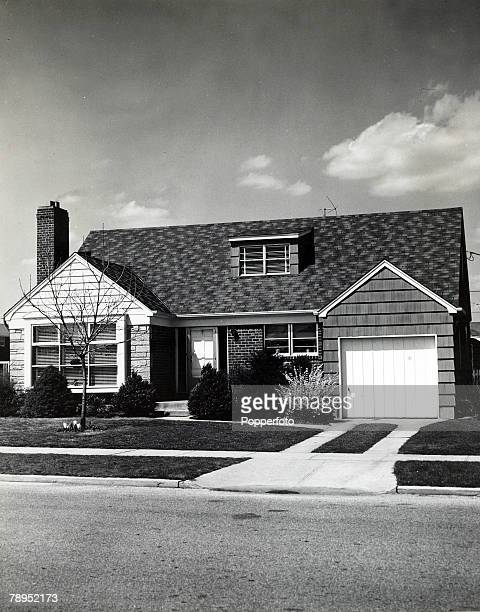 Housing / Travel New York USA 1950's A view of a private home in a village in Nassau County New Hyde Park Long Island