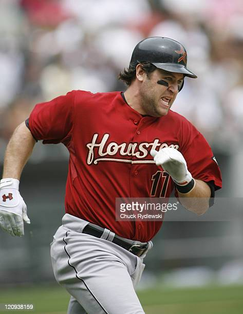 Houston Astros' Right Fielder Lance Berkman singles to left field during their Interleague game versus the Chicago White Sox June10 2007 at US...