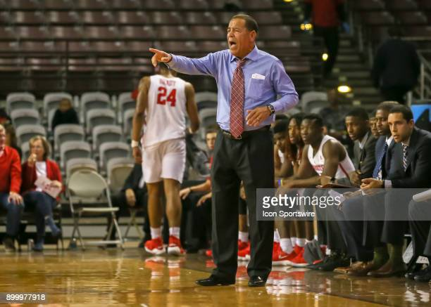 Houston Cougars head coach Kelvin Sampson yells from the bench during the game between the Temple Owls and Houston Cougars on December 30 2017 at HPE...