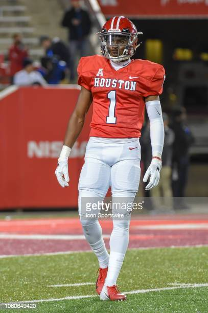 Houston Cougars return specialist Bryson Smith prepares to receive the opening kickoff during the football game between the Temple Owls and Houston...