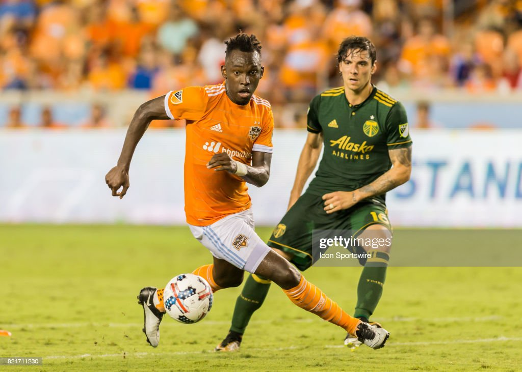 Houston Dynamo forward Alberth Elis (17) recovers the ball during the MLS match between the Portland Timbers and Houston Dynamo on July 29, 2017 at BBVA Compass Stadium in Houston, Texas.