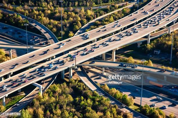 houston freeway échangeur aérien - houston texas photos et images de collection