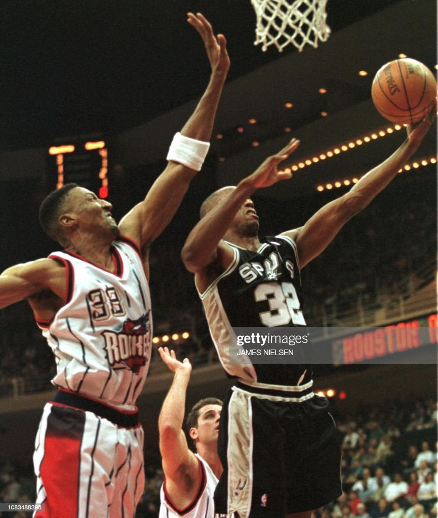 Houston Rockets News Today: Houston Rockets Scottie Pippen Attempts To Block A Shot By